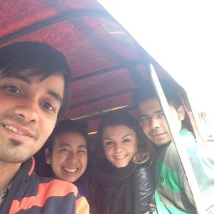 Again in the tuktuk toujours heureux