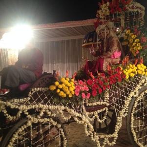 Arrivée du marié / Calèche fleurie