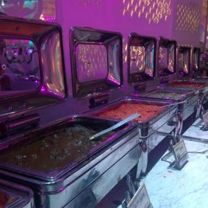 Stands de nourriture self service partie spécialités indiennes