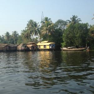 Rivage / Maisons sur l'eau / Backwaters / Kerala
