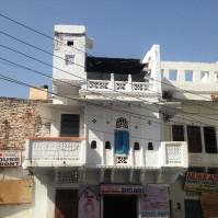 Maison blanchie à la chaux dans les rues d'Udaïpur