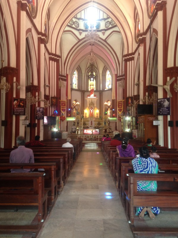 Nef d'église - Pondi
