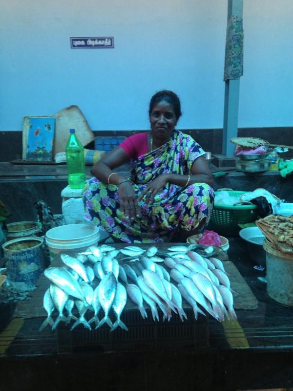 Vendeuse de poisson - Pondi